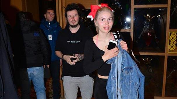 Aleyna Tilki ve Emrah Karaduman aileleriyle birlikte yemek yedi