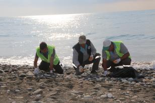 """""""Mersin Erdemli Sahilinde 25 kilometrelik Petrol Sızıntısı Temizliği"""""""