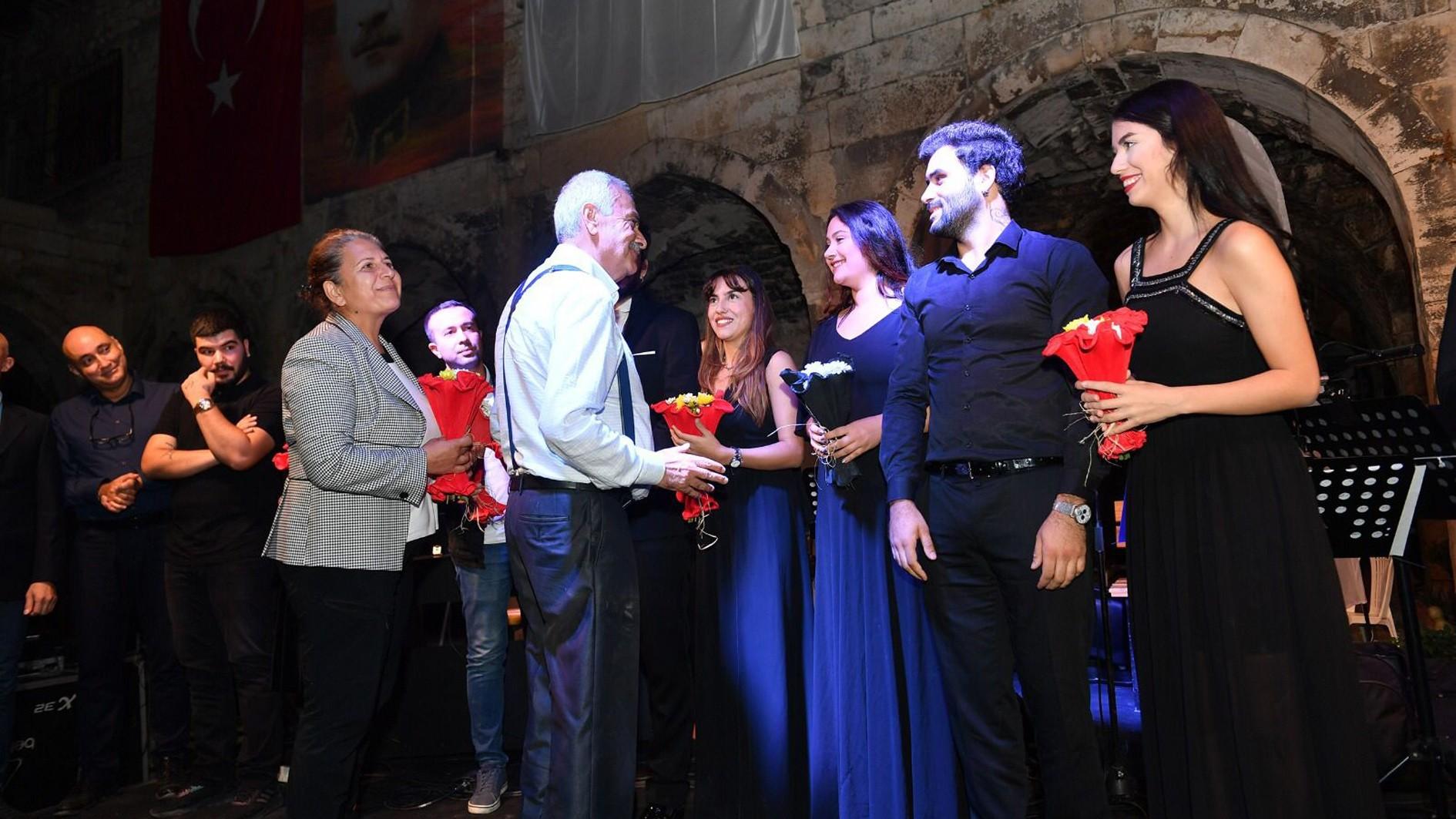 MEÜ Devlet Konservatuvarı'ndan Tarihi Taşhan'da klasik müzik dinletisi